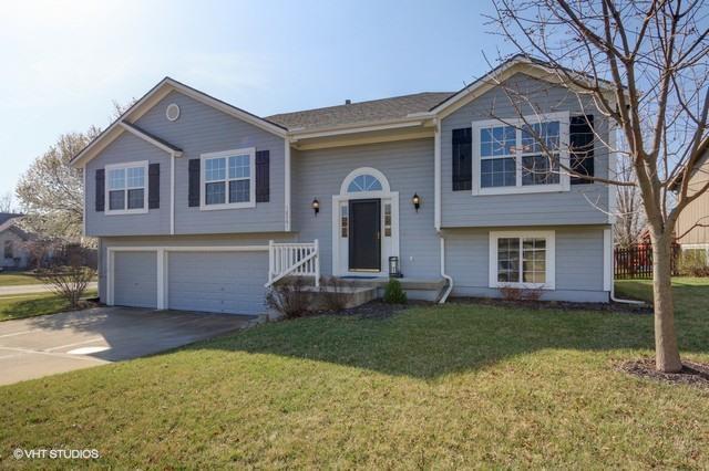 18201 W 157TH Terrace, Olathe, KS 66062