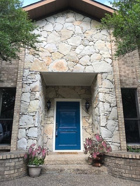 8802 Vista Oaks Circle, Dallas, TX 75243