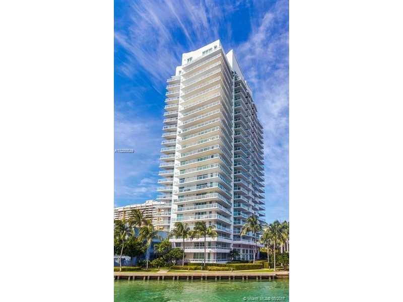 10 Venetian Way 1103, Miami Beach, FL 33139