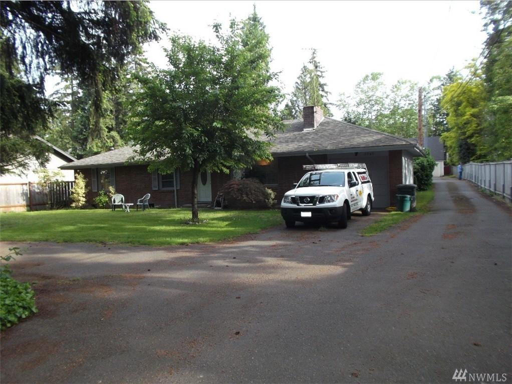 6909 170th St, Kenmore, WA 98028