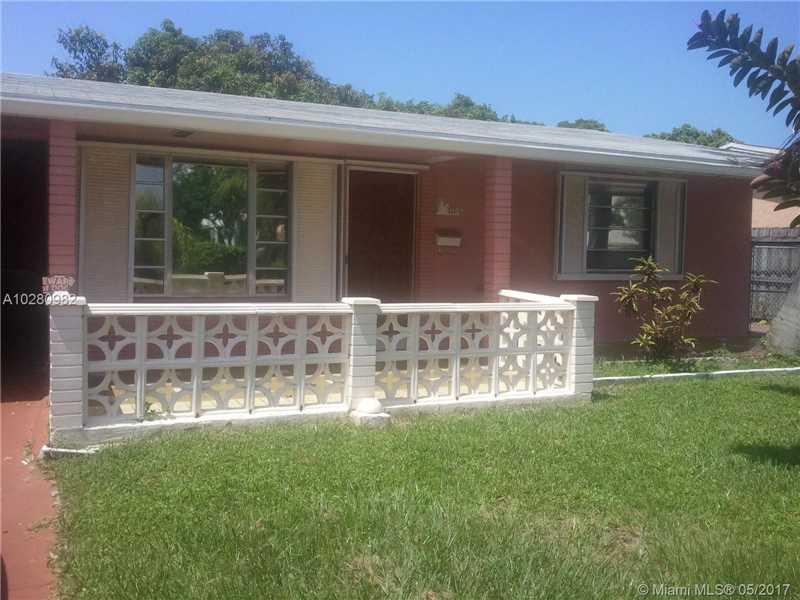 1105 NE 2nd St, Hallandale, FL 33009