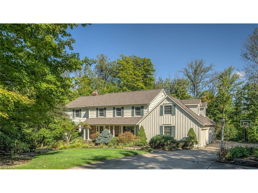 90 Twin Acre Ct, Moreland Hills, OH 44022