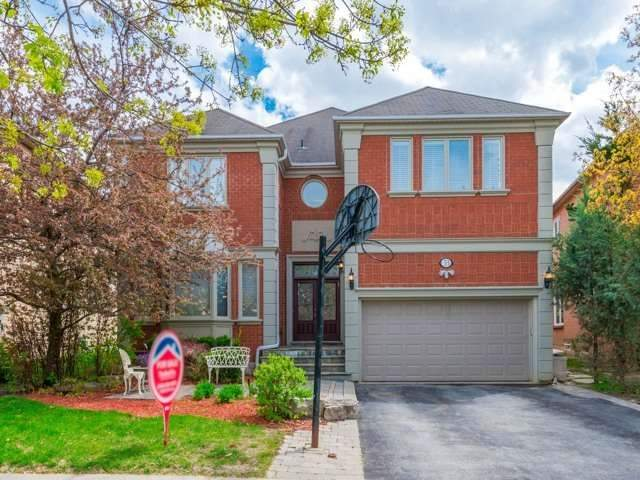 33 E Coldwater Crt, Vaughan, ON L4J 7S4