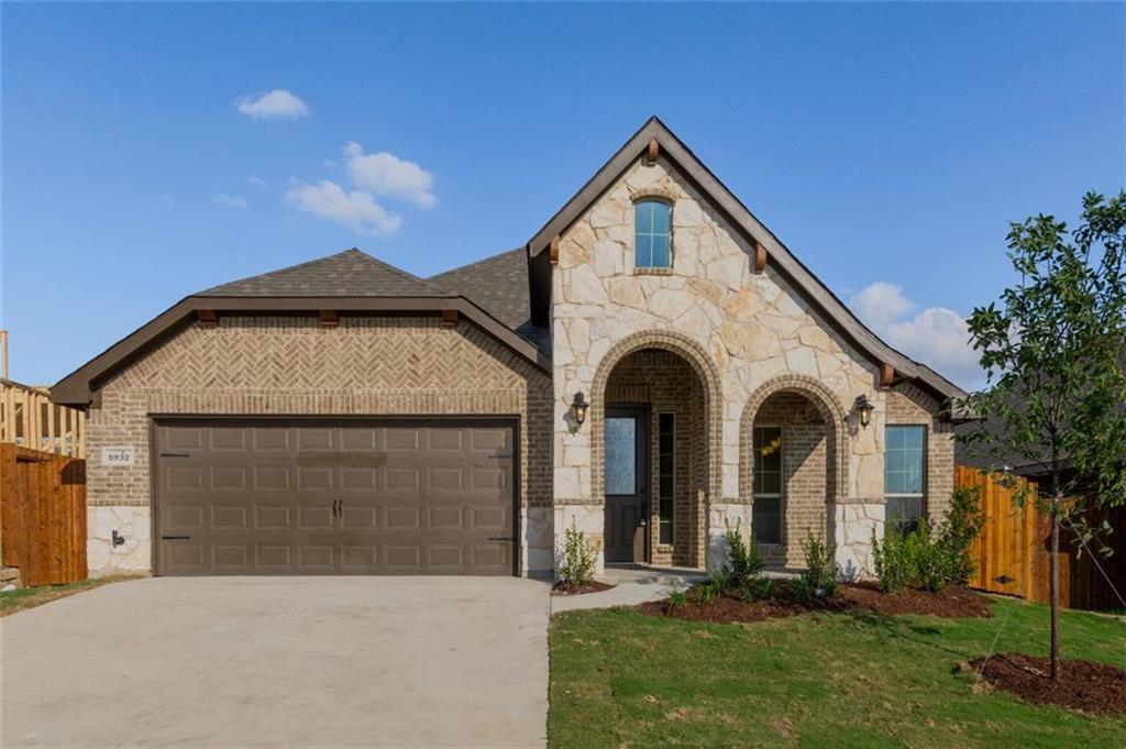5932 Dunnlevy Drive, Saginaw, TX 76179