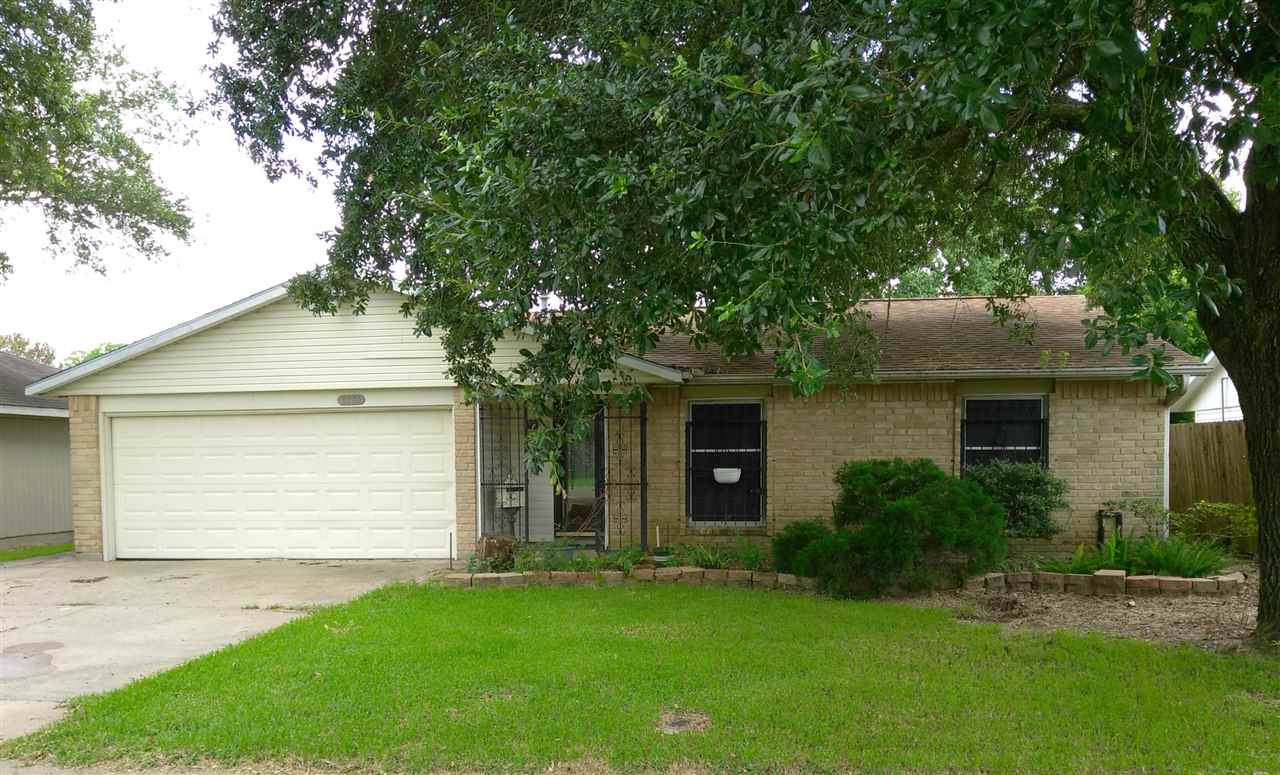 2301 Earle Street, Port Neches, TX 77651
