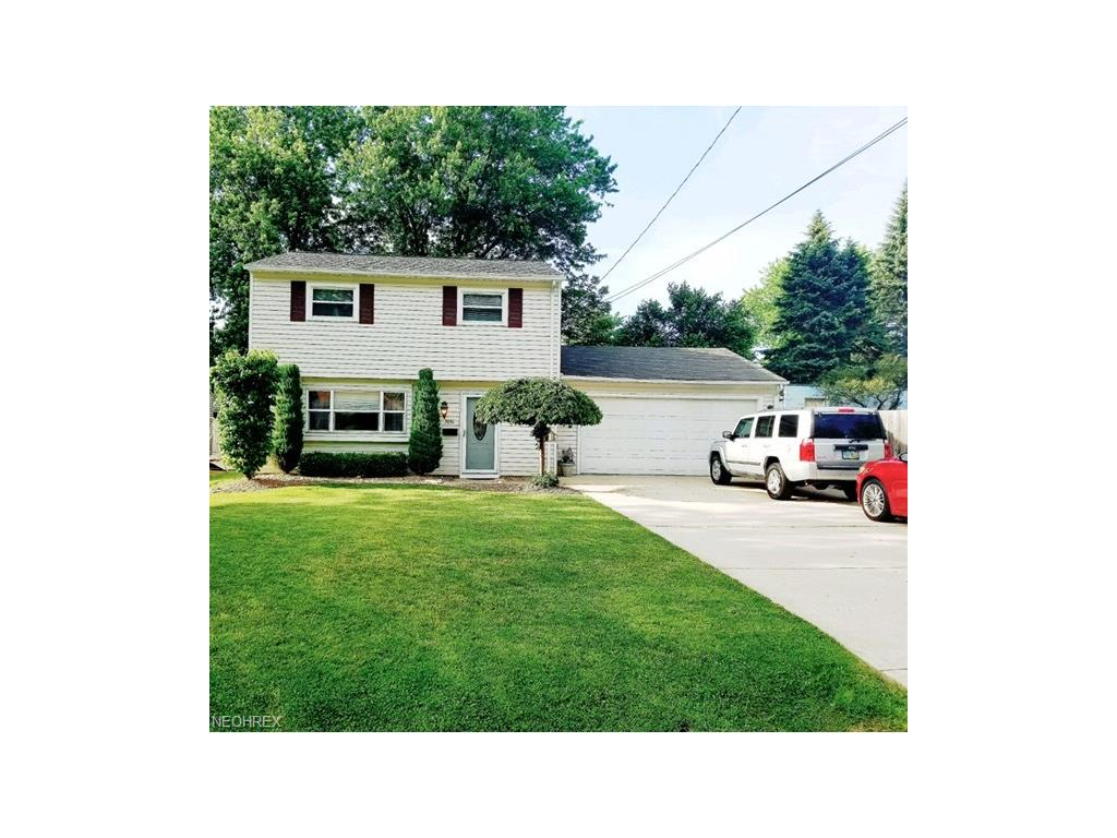 7651 Miami Rd, Mentor-on-the-Lake, OH 44060