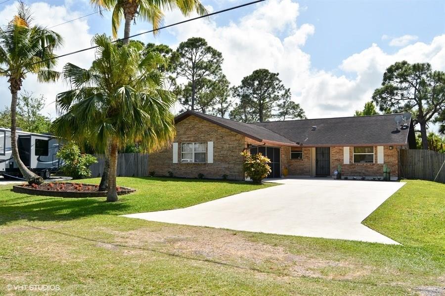 8876 SE Sunset Drive, Hobe Sound, FL 33455