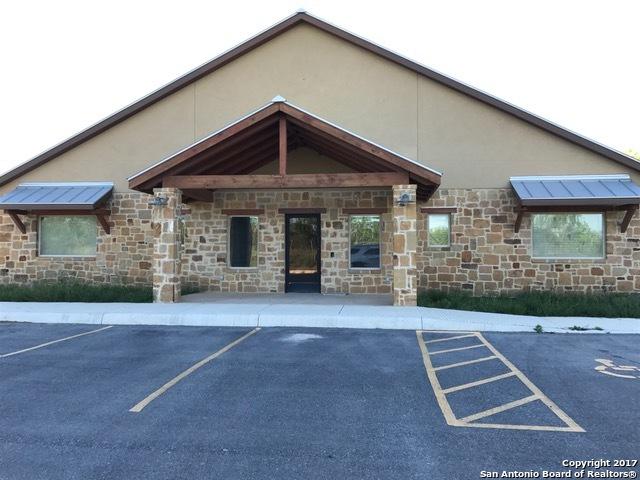 1434 CR 422, Pleasanton, TX 78064