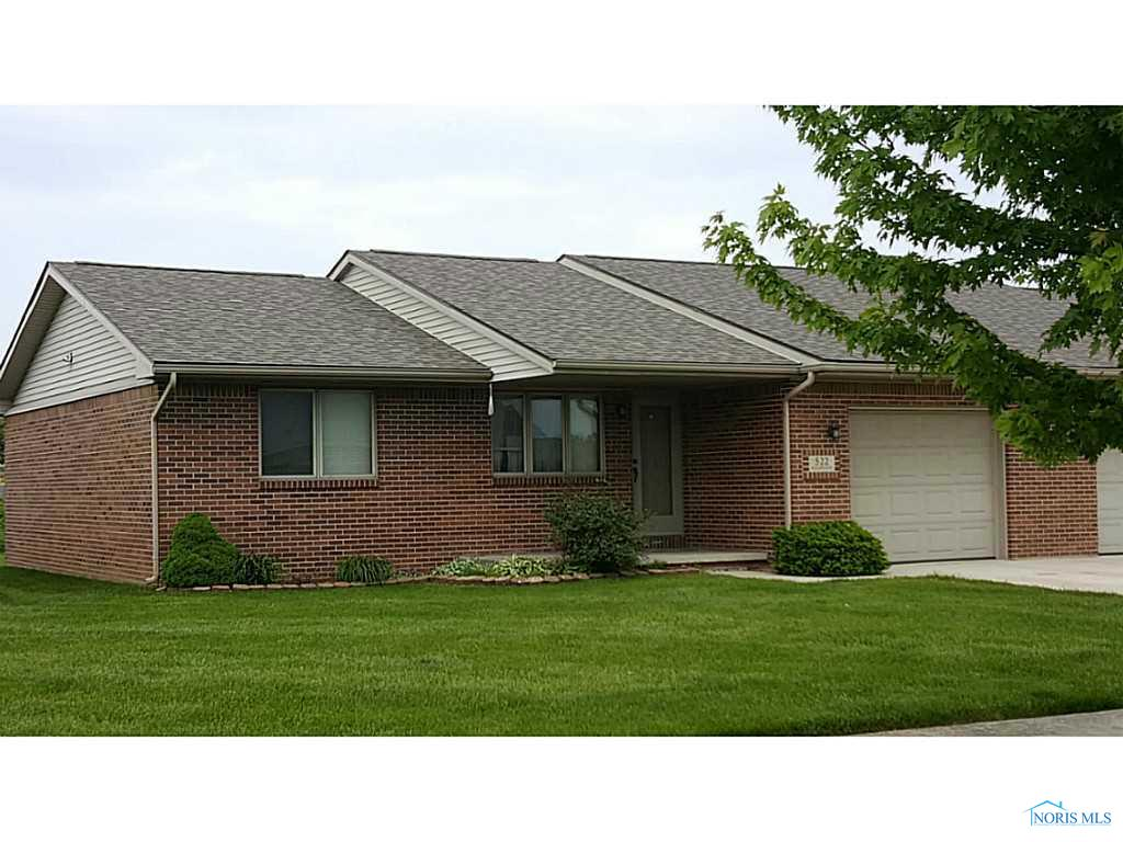 522 Woodpointe Drive, Woodville, OH 43469