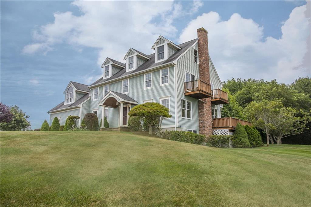 104 Cromwell DR, Portsmouth, RI 02871