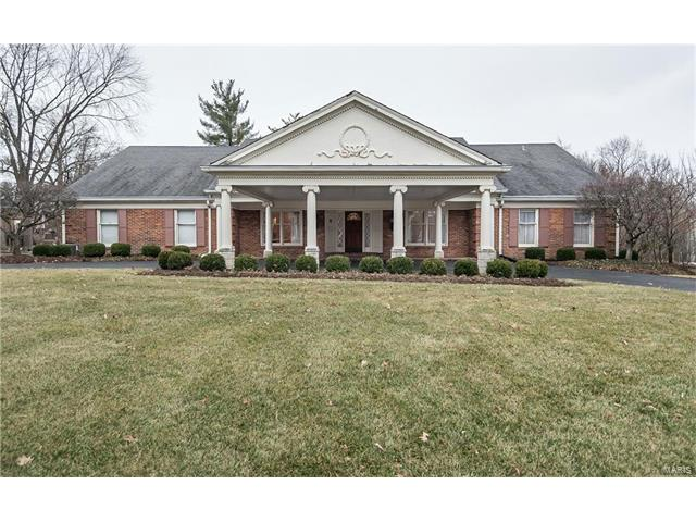 12692 Spruce Pond Drive, Town and Country, MO 63131