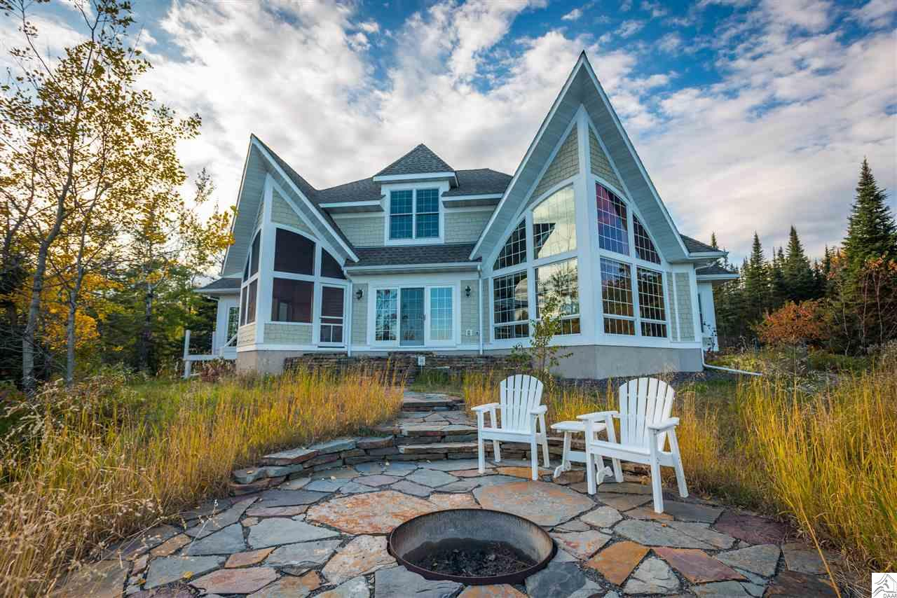 1960 Silver Cliff Landing Rd, Two Harbors, MN 55616