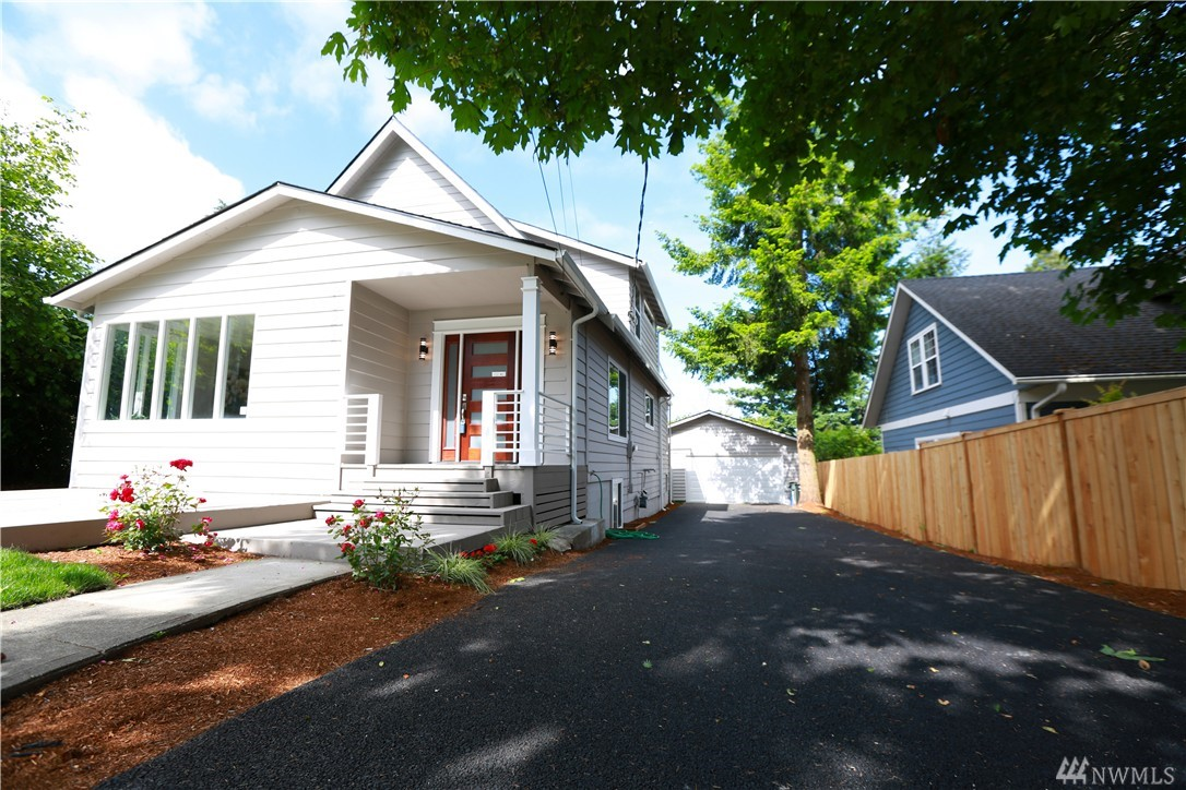 9821 California Ave SW, Seattle, WA 98136