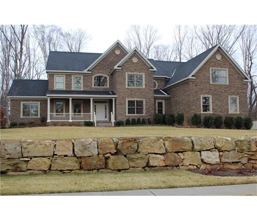 2 Majestic Woods Drive, Monroe Township, NJ 08831
