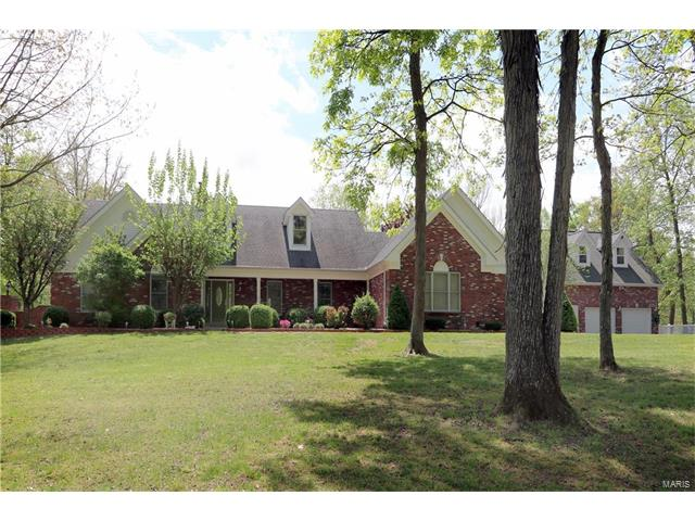 14 Woodleaf Court, St Paul, MO 63366