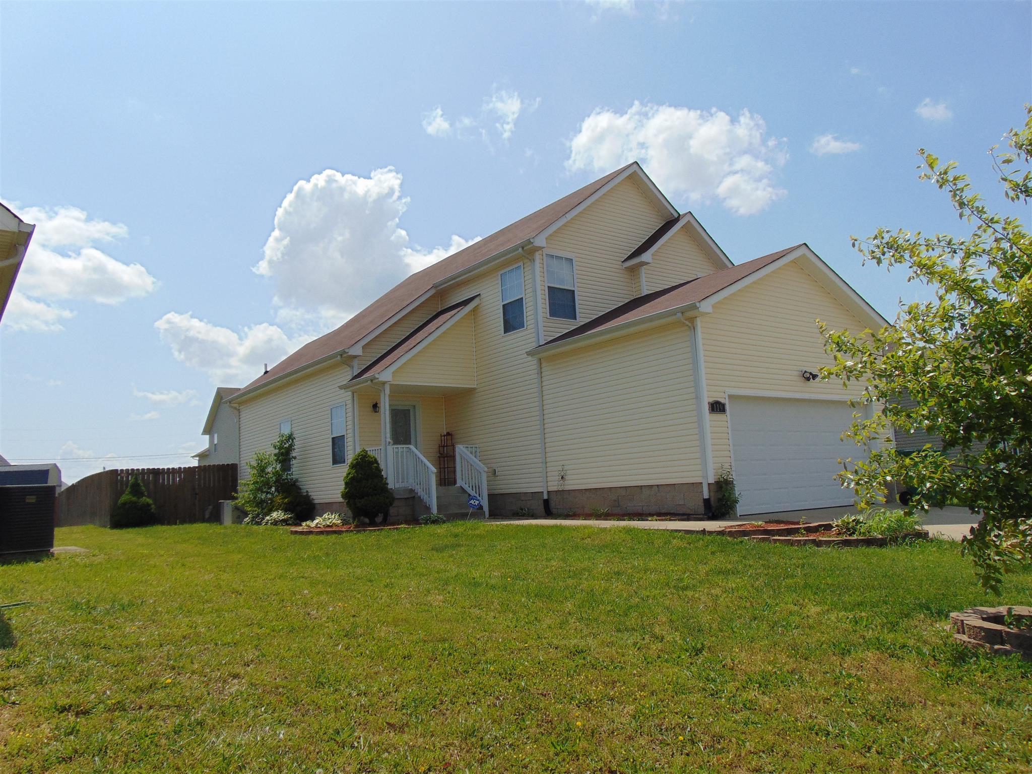 119 N Cavalcade Cir, Oak Grove, KY 42262