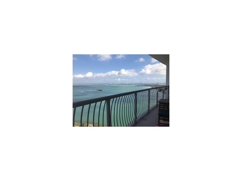 1750 N Bayshore Dr 3903, Miami, FL 33132