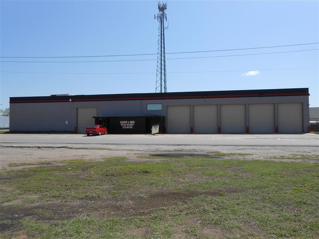 101 S Kickapoo Avenue, Shawnee, OK 74801