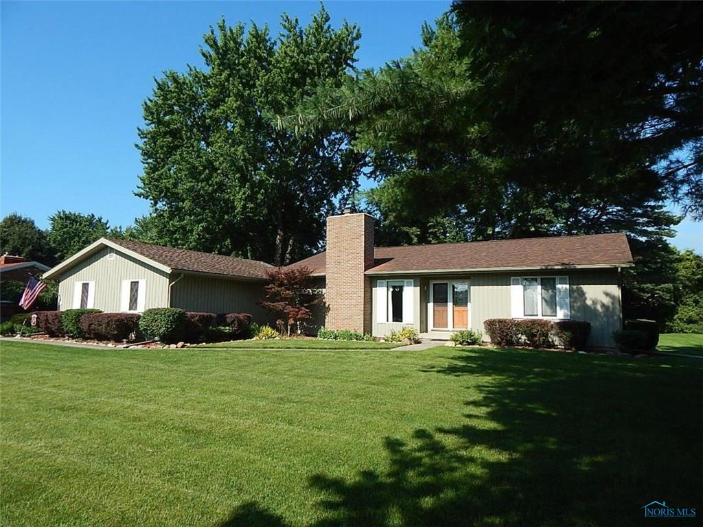 738 Lawrence Avenue, Wauseon, OH 43567