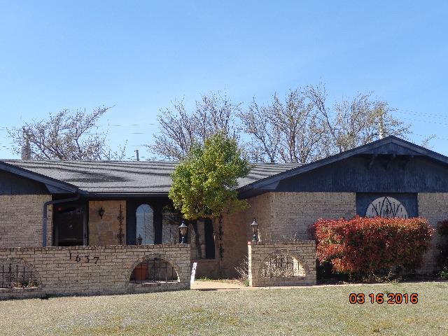 1637 Crestview, Cordell, OK 73632