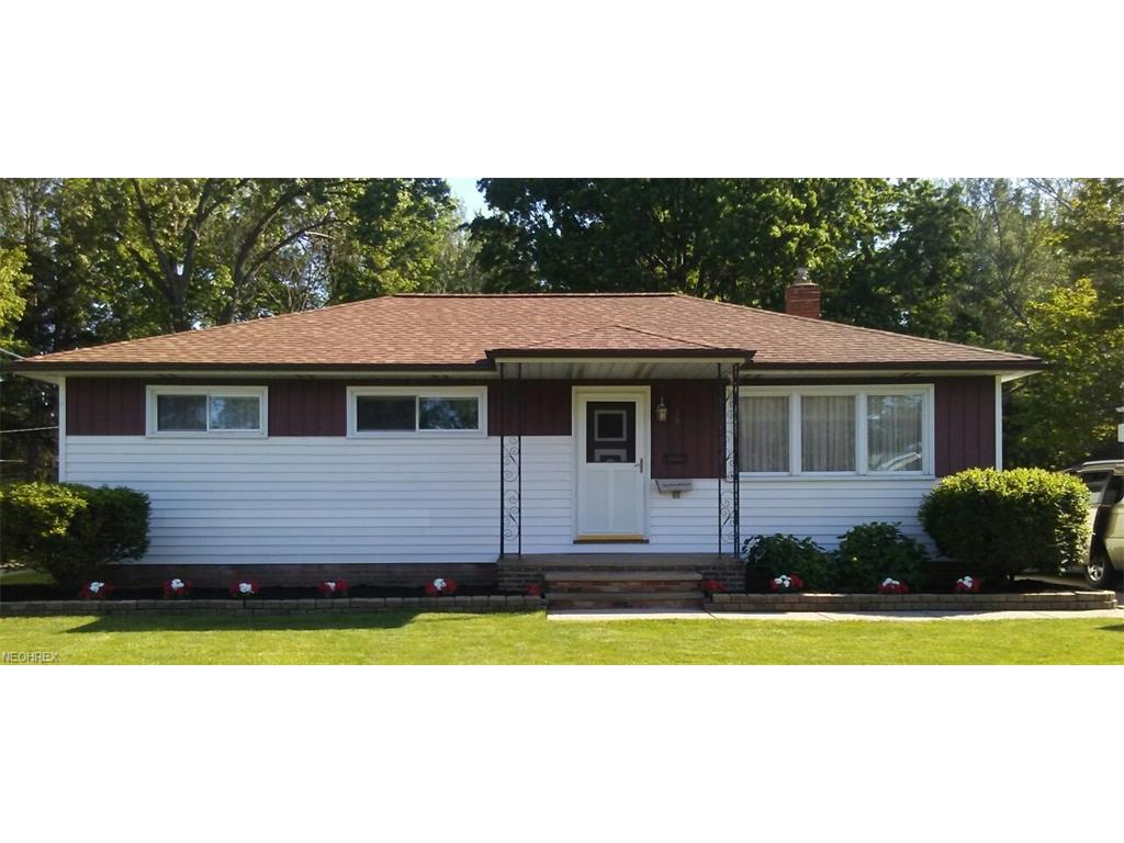191 Saint Lawrence Blvd, Eastlake, OH 44095