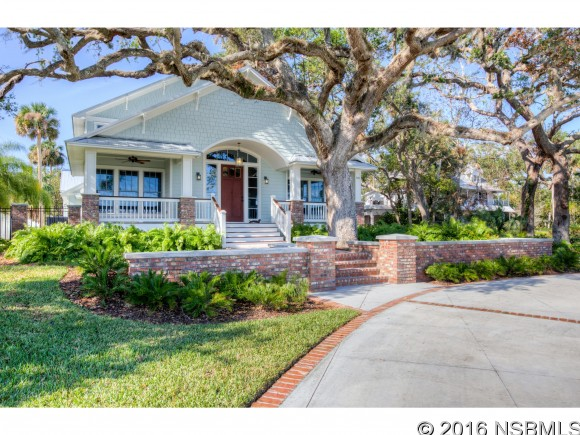 526 Riverside Dr, New Smyrna Beach, FL 32168