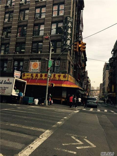 17 E Broadway, Out Of Area Town, NY 10002
