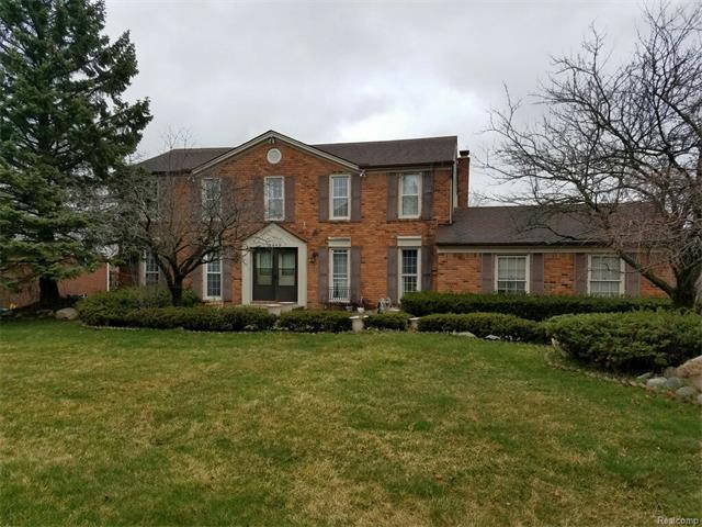 5449 WHITE HALL CIR, West Bloomfield Twp, MI 48323