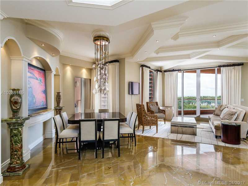 60 Edgewater Dr 8F, Coral Gables, FL 33133