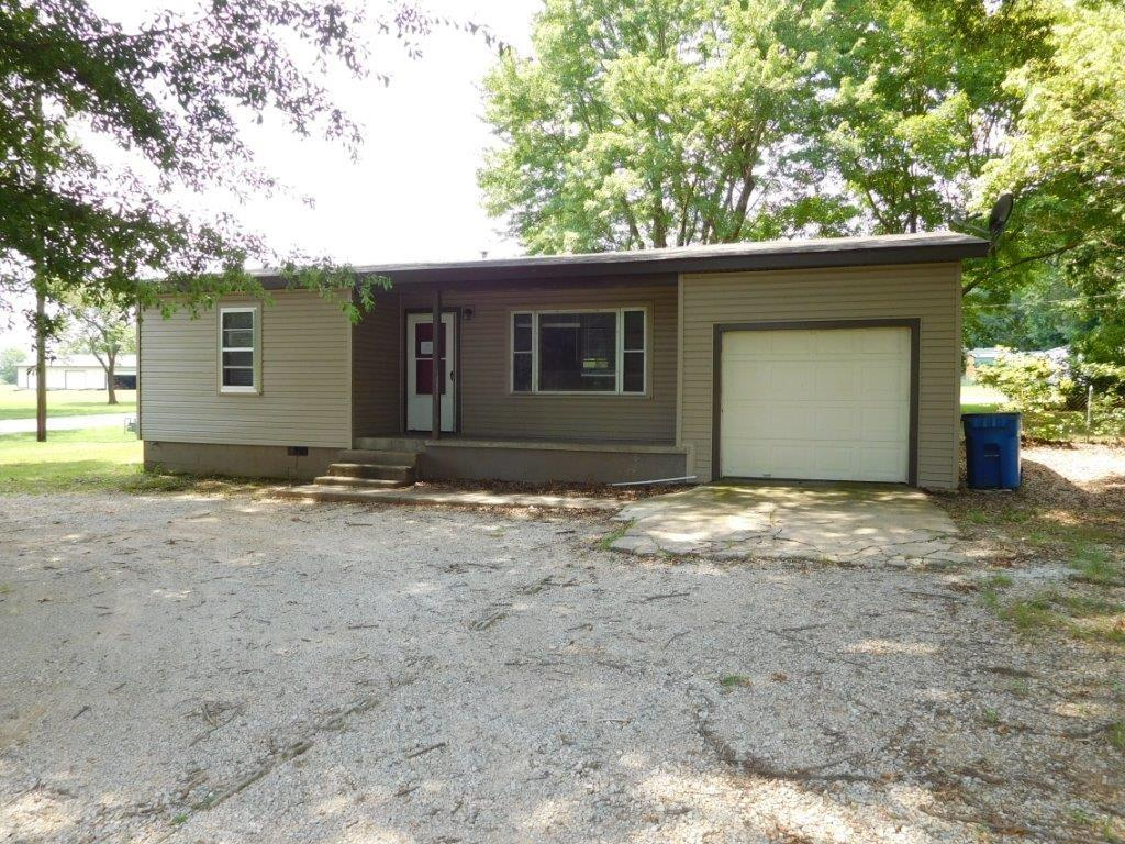 701 N Curtis AVE, Pea Ridge, AR 72751
