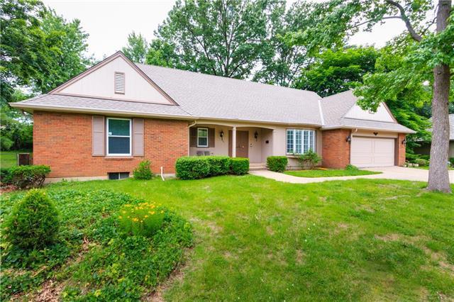 5301 W 84th Terrace, Prairie Village, KS 66207