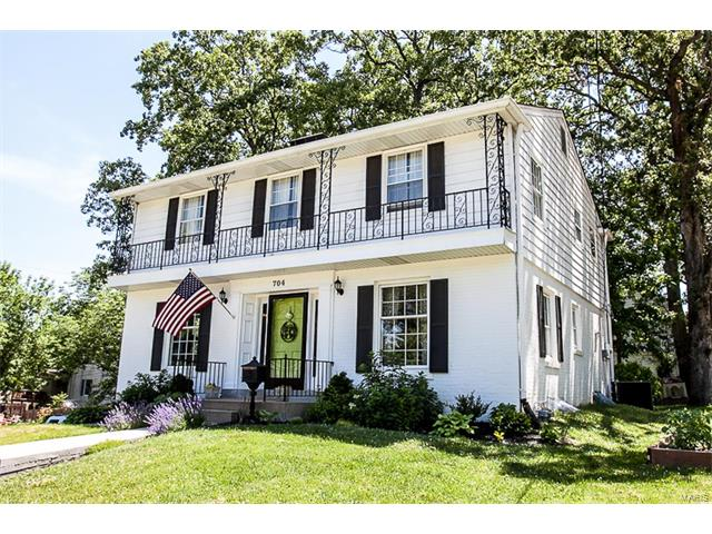 704 S Gore Avenue, Webster Groves, MO 63119