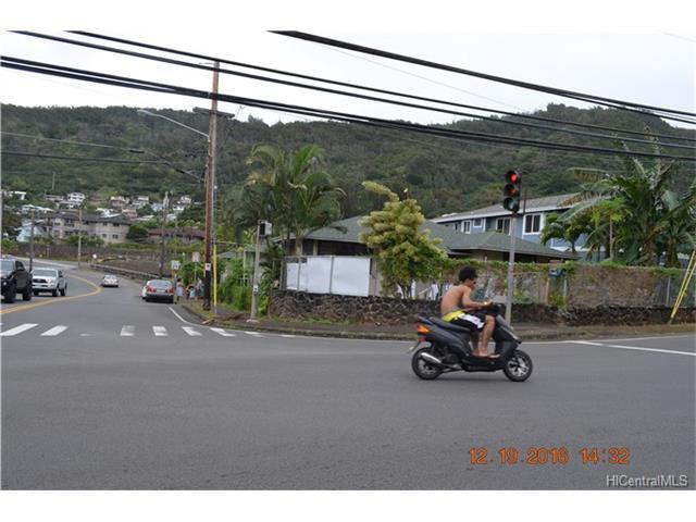 2704 Kalihi Street, Honolulu, HI 96819