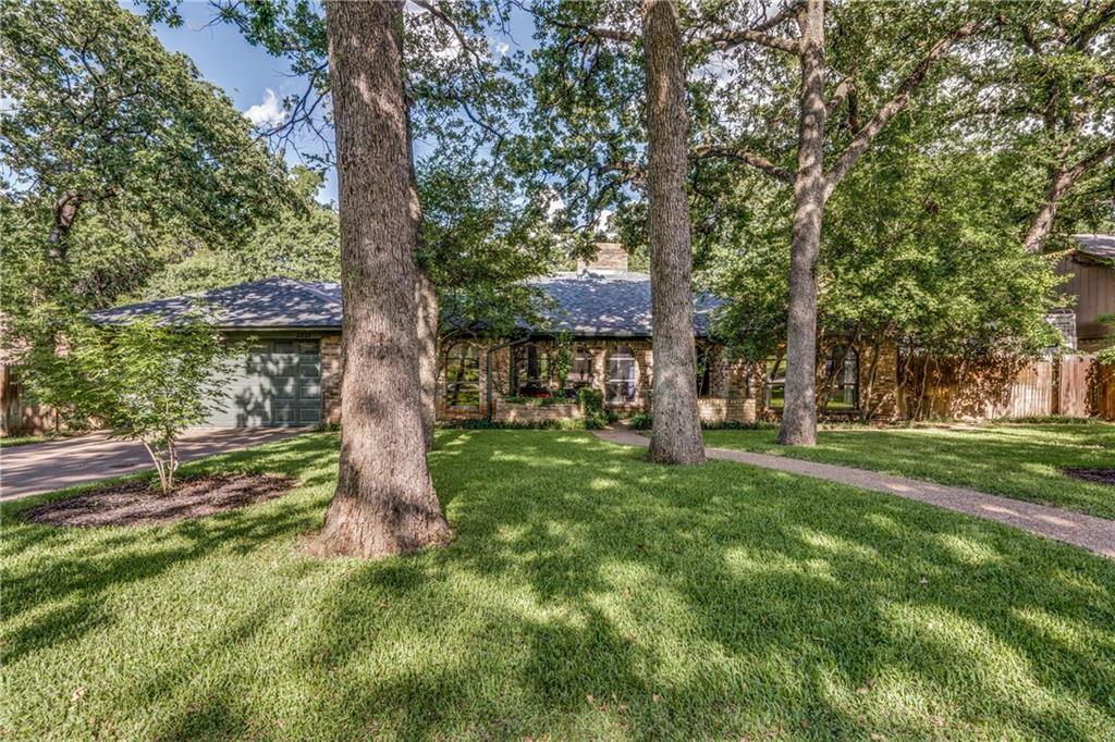 2322 Robin Court, Grapevine, TX 76051