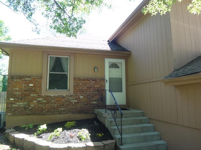 1011 W Sheridan Street, Olathe, KS 66061