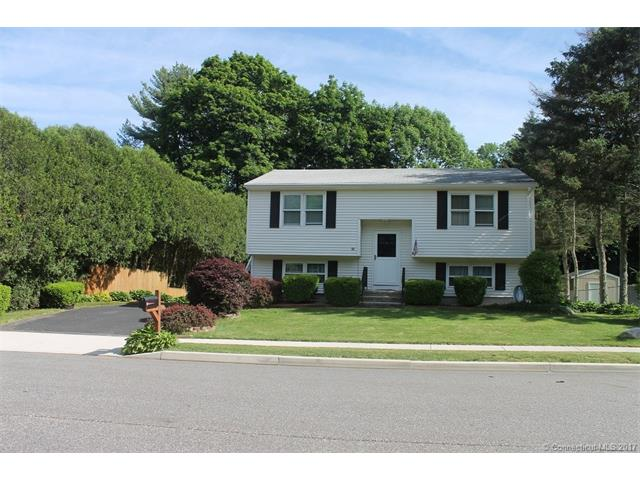 10 Oxbow Dr, Windham, CT 06226