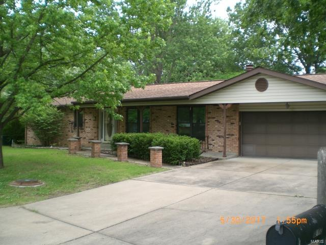5816 Cranberry Drive, Imperial, MO 63052