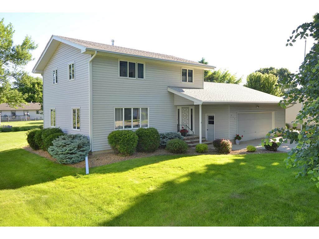 816 8th Avenue NW, Waseca, MN 56093