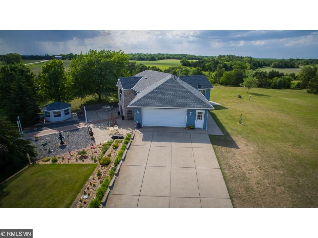 9850 108th Street NW, Annandale, MN 55302