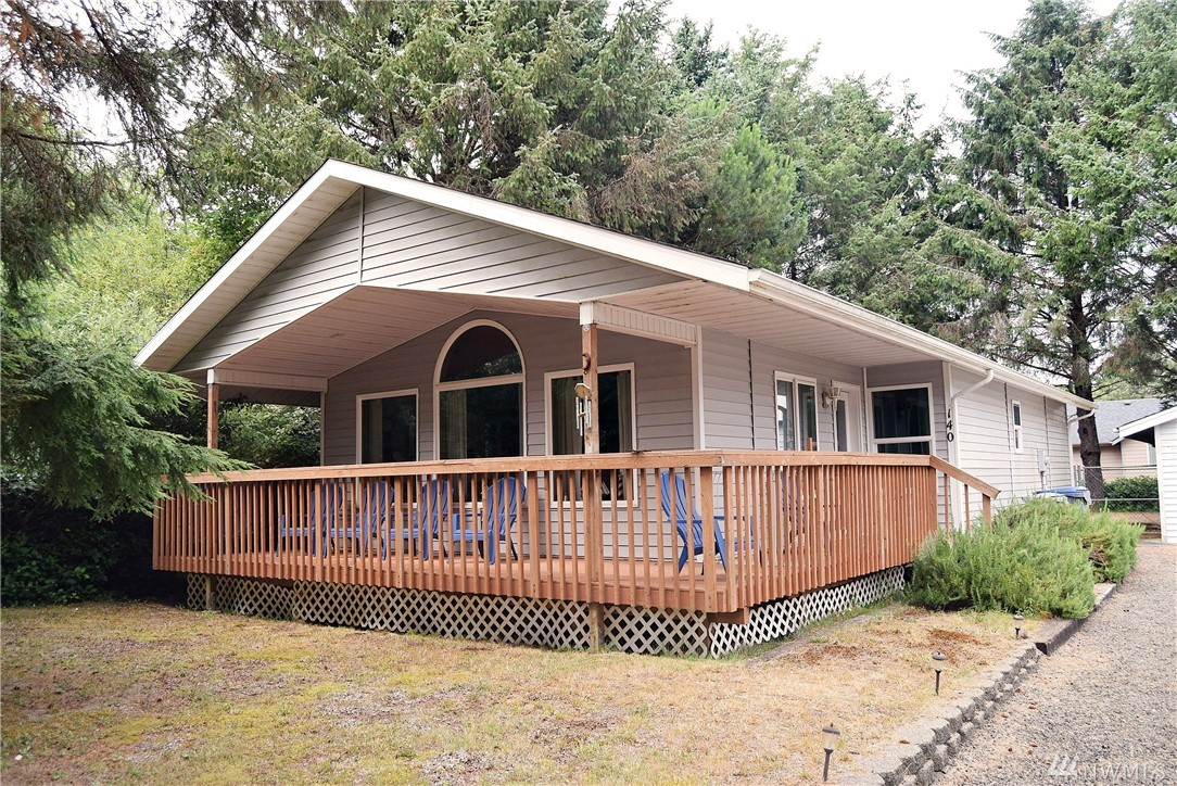Beautiful home by the beach in a quiet neighborhood close to restaurants, shops, and fun activities. Enjoy surfing, clamming, fishing, and golfing all right here in Ocean Shores. This modern home has vaulted ceilings and a very nice kitchen. Partially fenced and a detached garage!