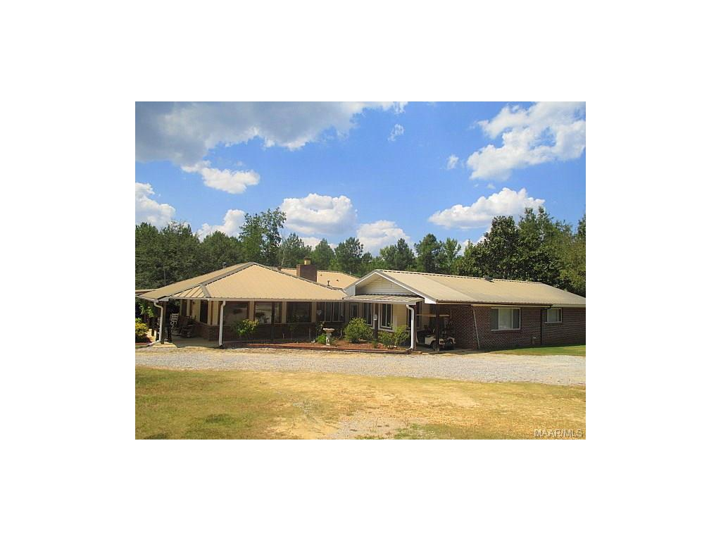 2134 County Road 66 ., Deatsville, AL 36022