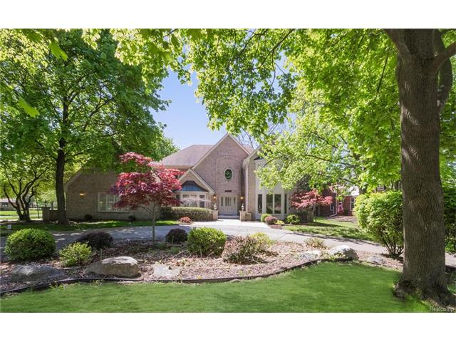 34015 Lyncroft ST, Farmington Hills, MI 48331
