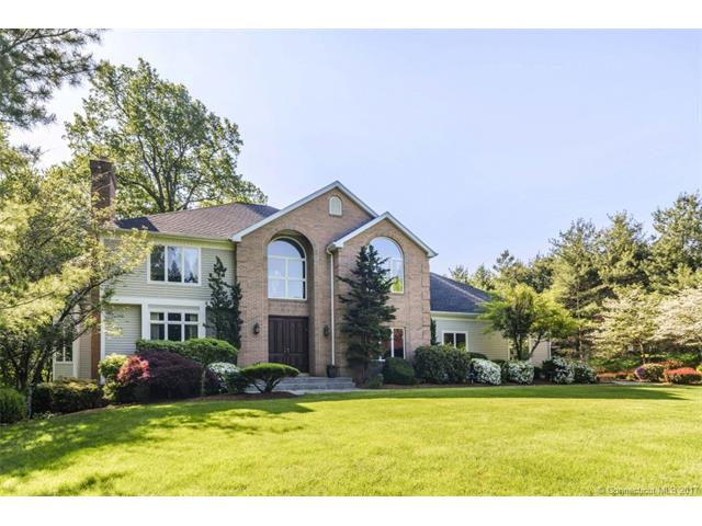 1 Mountaincrest Dr, Cheshire, CT 06410
