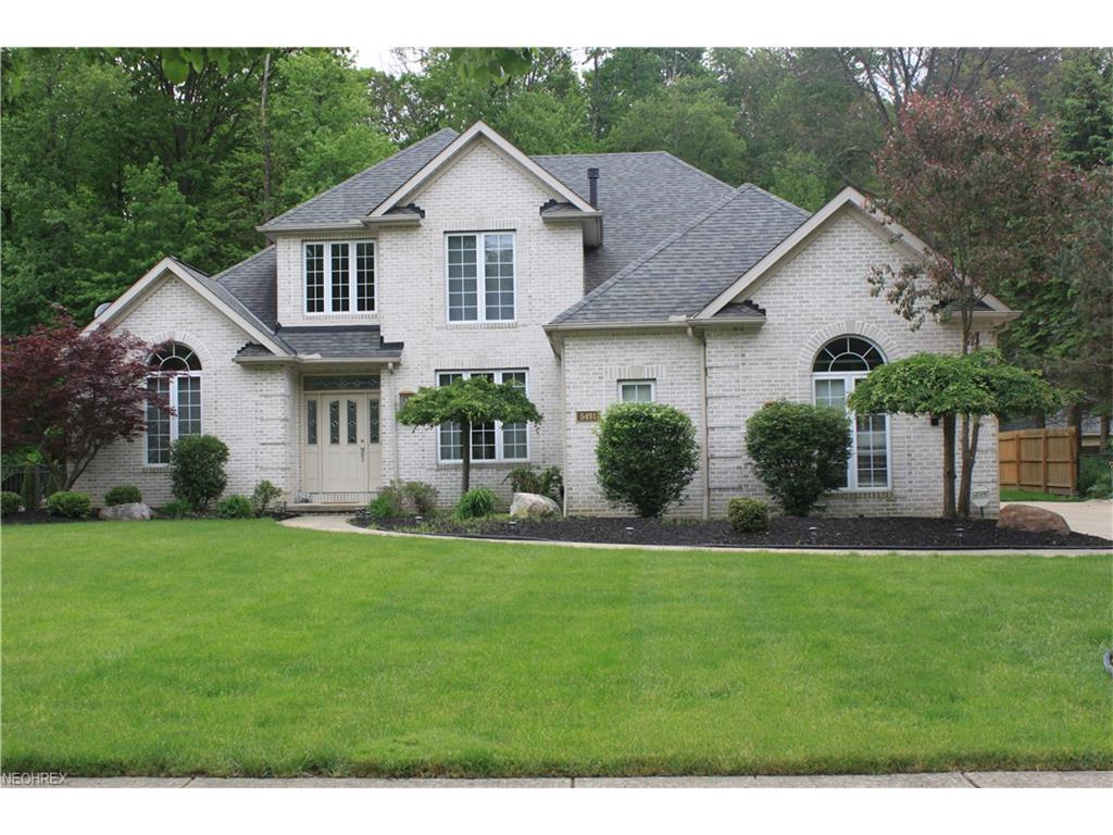 5491 Jacqueline Ln, North Olmsted, OH 44070