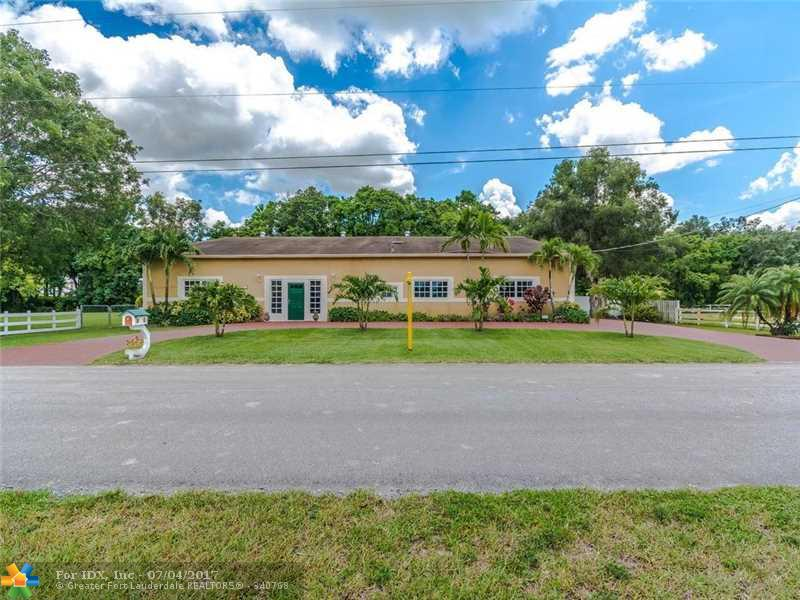 11780 SW 2nd St, Plantation, FL 33325