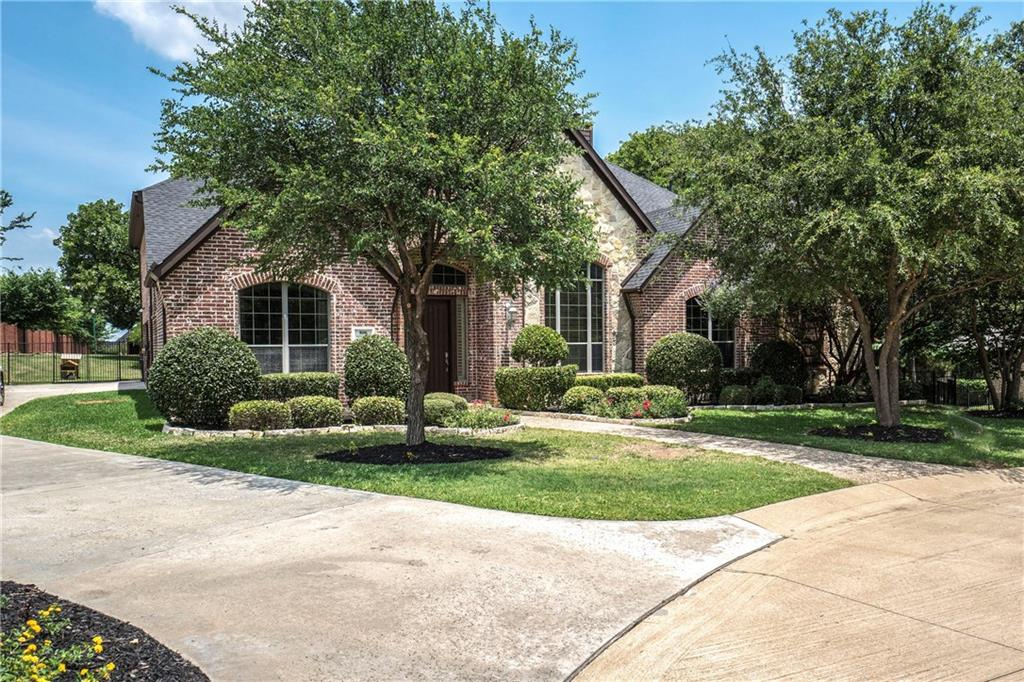 806 Jennifer Court, Highland Village, TX 75077