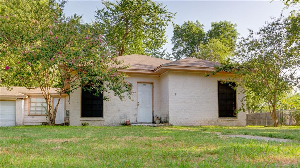 112 E Grove Street, Pilot Point, TX 76258
