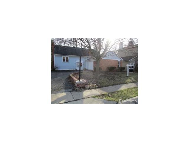 31845 N SHIAWASSEE Road, Farmington, MI 48336