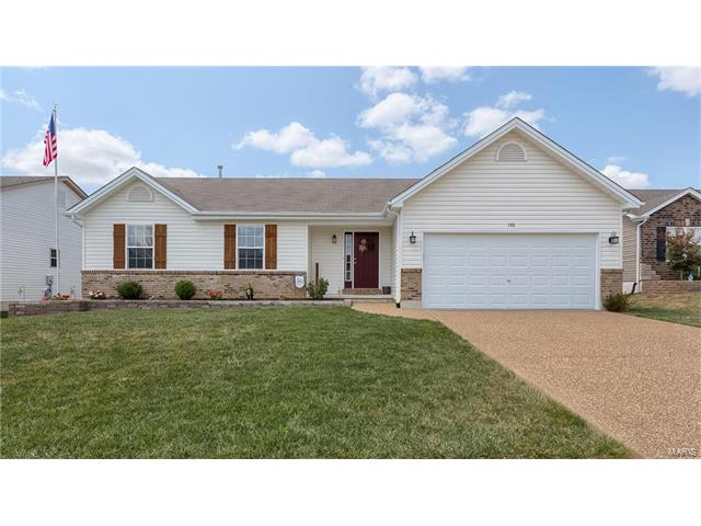 176 Shadow Pointe Dr, Wentzville, MO 63385