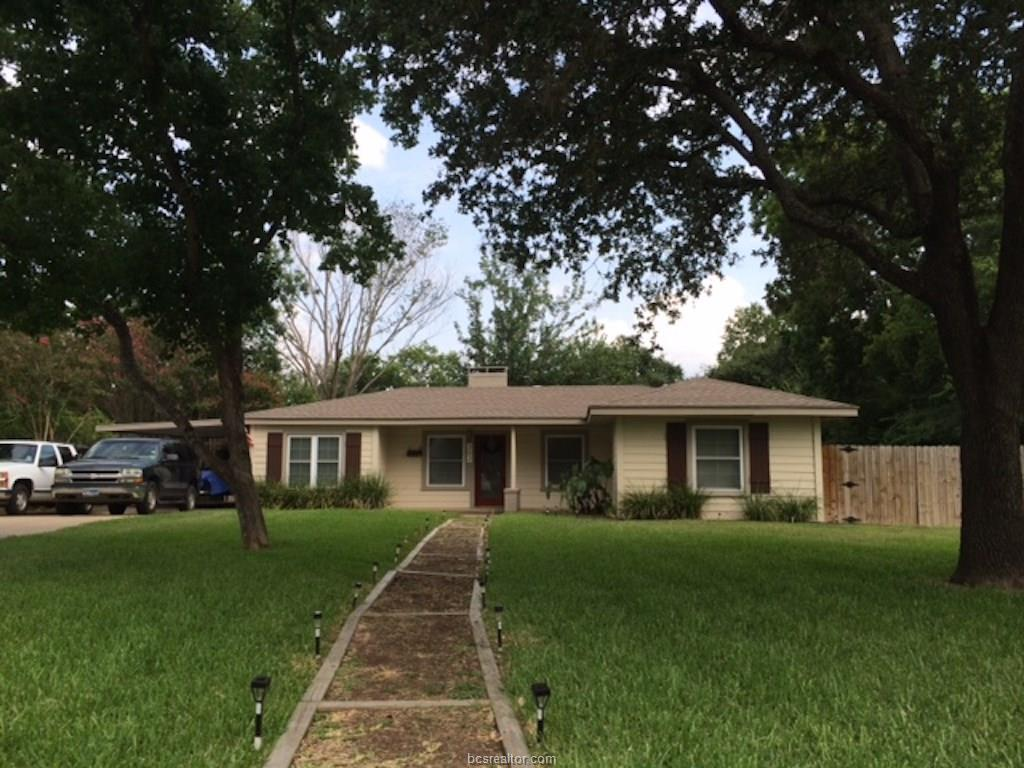 302 Francis Drive, College Station, TX 77840